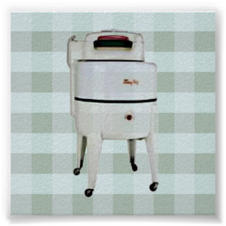 Retro 1940-1950 Washer on Green Gingham Print
