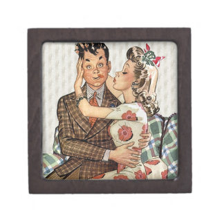 Retro 1940s Kissing Couple Keepsake Box