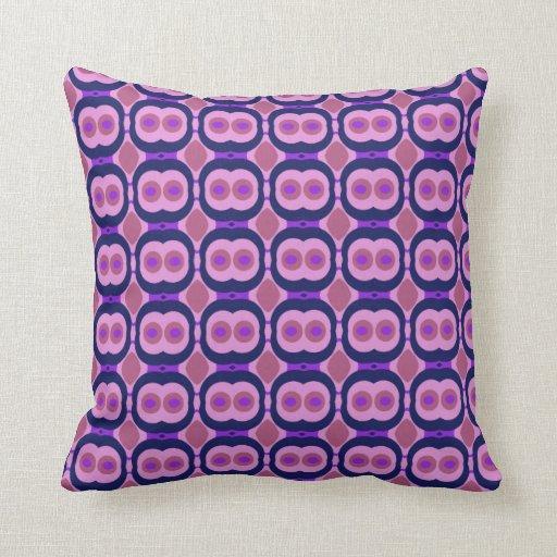 Retro 1970s design with small circles fuchsia pillow