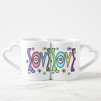 "Retro 60s/70s Style: ""Love"" Double Mug Set"
