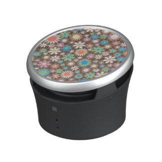 Retro Abstract Flowers Speaker