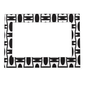 Retro black and white ovals magnetic photo frame