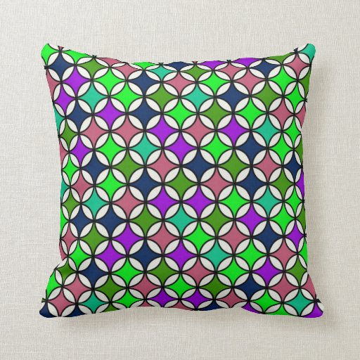 Retro Circle Pattern in Vibrant Colors Pillow