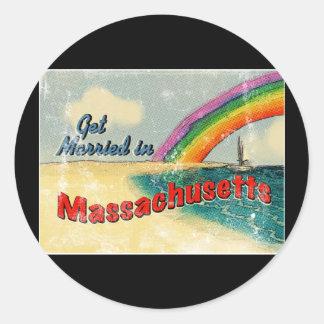 Retro consiga casado en Massachusetts Pegatina Redonda