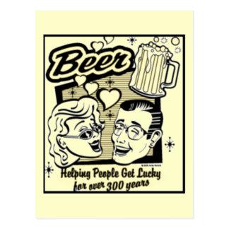 Retro consiga la tarjeta afortunada de la cerveza postal
