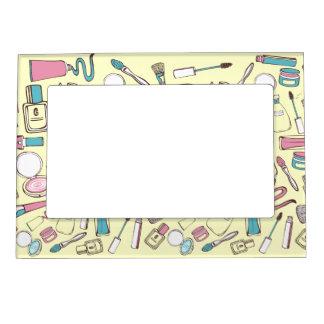 Retro Cosmetics - 2 - Frame