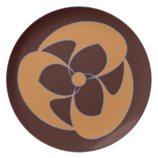 Retro Crescent Spiral Triquerta Autumn Melamine Plate