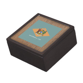 Retro Delaware Flag Premium Gift Boxes