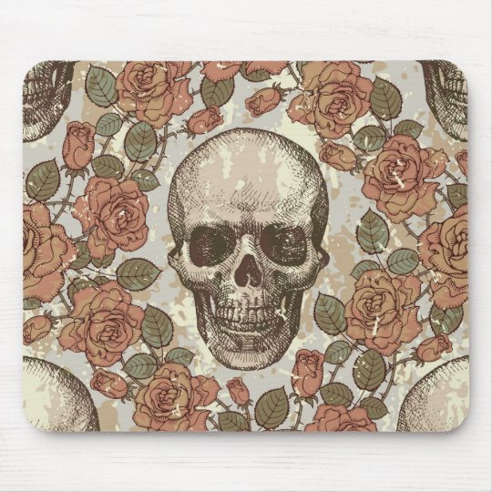 Retro distressed skull artwork. mouse pad