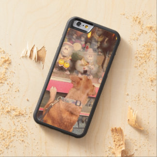 Retro Dog on a old jukebox Carved® Maple iPhone 6 Bumper