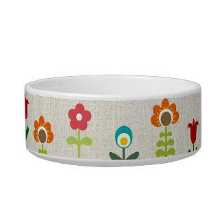 Retro folk flower pattern pet water bowl
