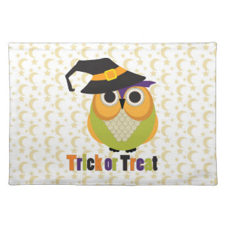 Retro Halloween Owls with Witch Hats Tees, Gifts Cloth Place Mat