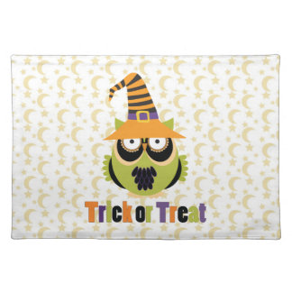 Retro Halloween Owls with Witch Hats Tees, Gifts Cloth Placemat