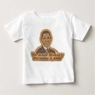 Retro hicimos la camiseta del niño de la historia playera