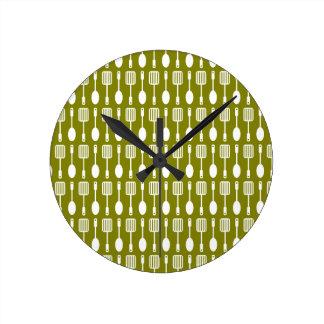 Retro Kitchen Cooking Utensils Pattern Round Clock