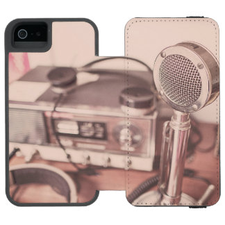 Retro Mic iPhone SE/5/5s Wallet Case