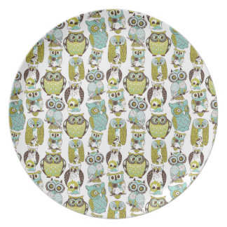 Retro Owl pattern cute funny background Dinner Plates