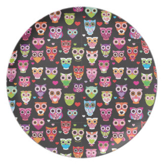 Retro owl pattern illustration birthday plate