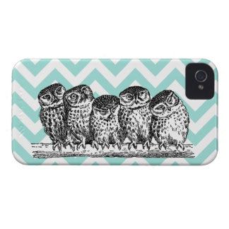 Retro Owls on a Branch Blackberry Bold Case