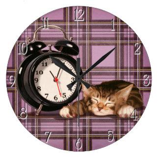 Retro plaid kitten large clock