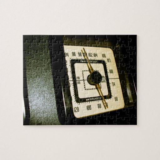 Retro Radio Dial 02 Puzzle