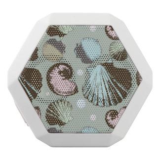 Retro Seashell Pattern White Bluetooth Speaker