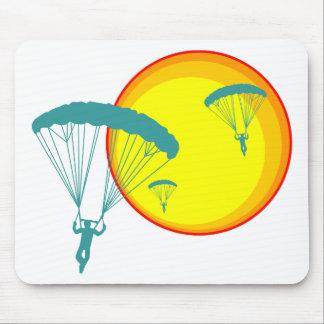retro sky divers mouse pad