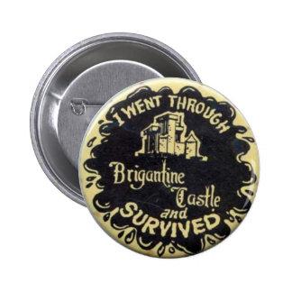 Retro sobreviví el Pin del castillo del bergantín