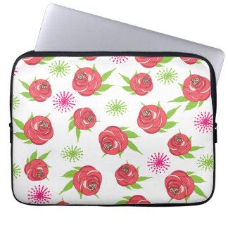 Retro Style Shabby Chic Pretty Ditsy Roses Print Laptop Sleeve