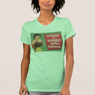Retro subrayado es postres deletreados al revés t shirt