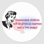 RETRO UNATTENDED CHILDREN CLASSIC ROUND STICKER