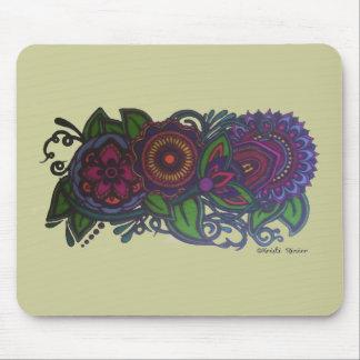 Retro, vintage floral design mouse pad