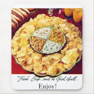 Retro Vintage Kitsch 50s Potato Chips & Dip Mouse Pad