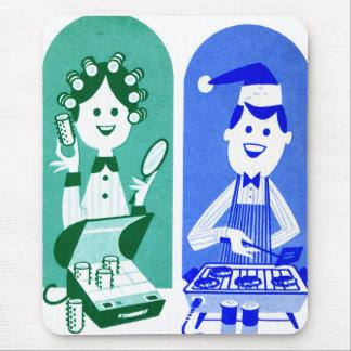 Retro Vintage Kitsch 60s Ad Cartoon Mom & Dad Mouse Pad