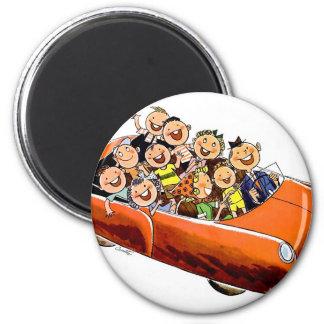 Retro Vintage Kitsch 60s Happy Family Drive 2 Inch Round Magnet