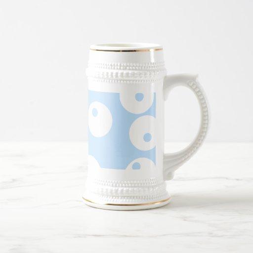 Retro white and light blue pattern. 18 oz beer stein