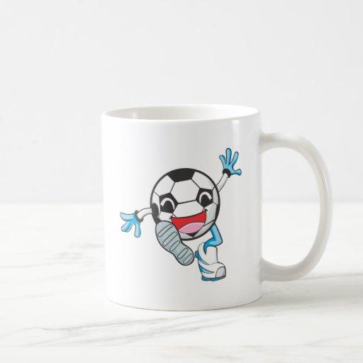 Retroceso con el pie feliz del jugador de fútbol tazas de café