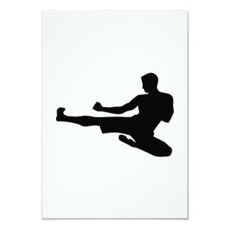Retroceso del salto del karate invitación 8,9 x 12,7 cm