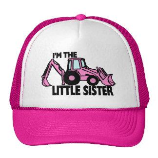 Retroexcavadora de la pequeña hermana gorra