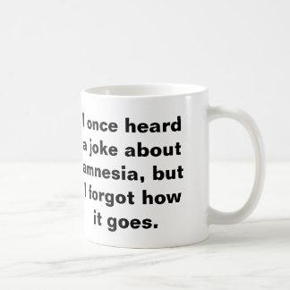 Retruécano divertido sobre amnesia tazas de café