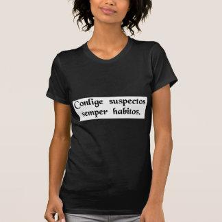 Reúna a los sospechosos usuales camisas