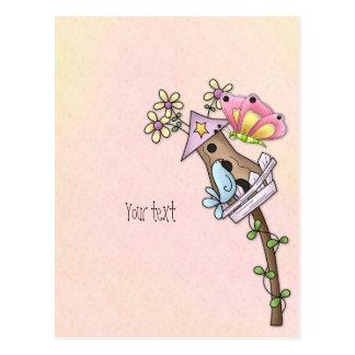 Reunión de la mariposa y del pájaro en el postales