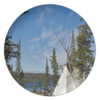 Reunión de la tribu de Dene, territorios del noroe Plato De Cena