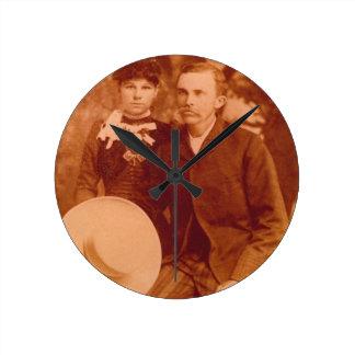 Reunión del Rutherford Reloj Redondo Mediano