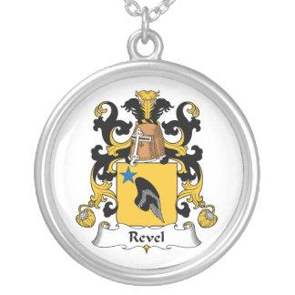 Revel el escudo de la familia colgante redondo