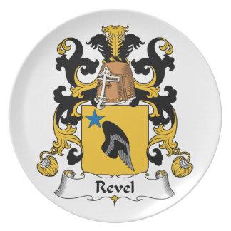 Revel el escudo de la familia plato