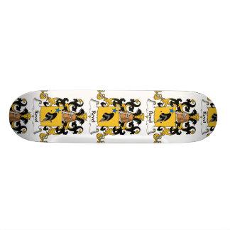 Revel el escudo de la familia tabla de skate