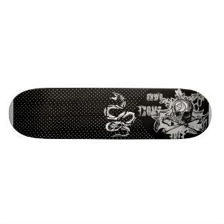 Reverse Pik Skateboard