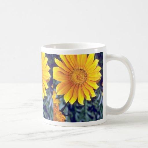 revestimiento amarillo las flores del sol taza