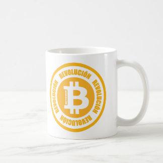 Revolución de Bitcoin (versión española) Taza Básica Blanca